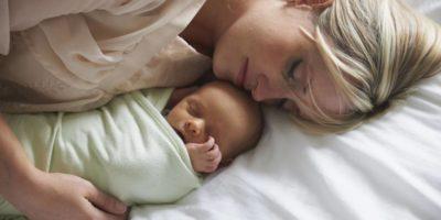 une jeune maman avec son bébé