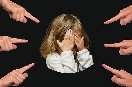 une enfant qui a une phobie